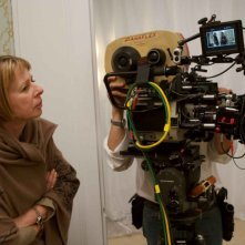 La regista Diane English sul set del film The Women
