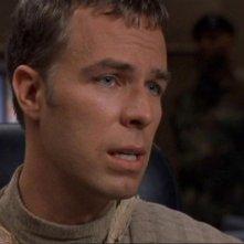 Martouf, interpretato da JR Bourne, informa l'SGC che Jacob e Selmak sono stati catturati da Sokar nell'episodio 'I ricordi di Jolinar' della serie Stargate SG-1