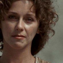 Michele Greene nel ruolo di Laira, la donna che si prende cura di Jack O'Neill nell'episodio 'Cento giorni' della serie Stargate SG-1