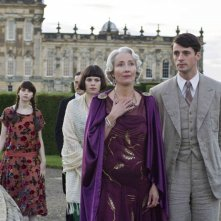 Felicity Jones, Hayley Atwell, Emma Thompson e Matthew Goode in una scena di Brideshead Revisited
