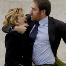 Isabella Ferrari e Valerio Mastandrea in una sequenza del film Un giorno perfetto