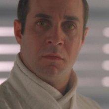 Brian Markinson interpreta l'alieno Lotan, intenzionato a reclamare il pianeta P5S - 381 per la sua razza nell'episodio 'Terra bruciata' della serie Stargate SG-1