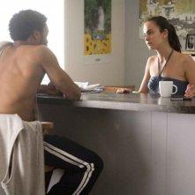 Chiwetel Ejiofor e Alice Braga in una scena del film Redbelt