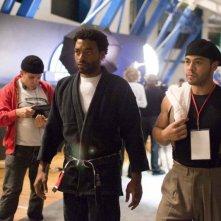 Chiwetel Ejiofor e Jose Pablo Cantillo in una scena del film Redbelt