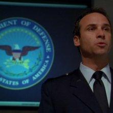 Colin Cunningham è il Maggiore Paul David, l'ufficiale di collegamento con il Pentagono nella serie Stargate SG-1, episodio: Liberazione