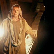 Daniel Jackson, ritratto da Michael Shanks, si prepara ad affrontare Anubis nell'episodio 'Il cerchio completo' della serie Stargate SG-1