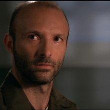 Frank Cassini nel ruolo del Colonnello Grieves mentre accetta di aiutare l'SG-1 nell'episodio 'La sentinella' della serie Stargate SG-1