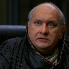 Jay Brazeau nei panni di Harlan, il creatore dei duplicati metallici dell'SG-1 nella serie Stargate SG-1, episodio: Doppio rischio