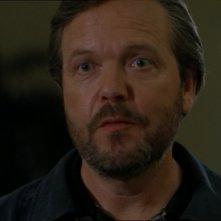Maybourne, interpretato da Tom McBeath, offre il suo aiuto per ritrovare Samantha Carter nell'episodio 'Missione disperata' della serie Stargate SG-1