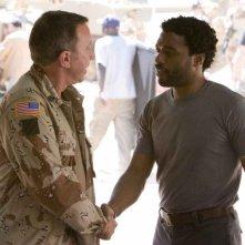 Tim Allen e Chiwetel Ejiofor in una scena del film Redbelt