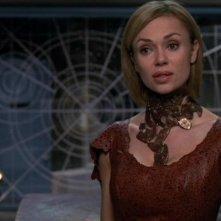 Vanessa Angel nel ruolo di Anise/Freya, una scienziata Tok'ra che conduce un esperimento sull'SG-1 nell'episodio 'Potenziamento' della serie Stargate SG-1