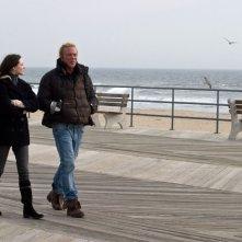 Evan Rachel Wood e Mickey Rourke in una sequenza del film The Wrestler