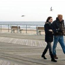 Evan Rachel Wood e Mickey Rourke in una sequenza di The Wrestler