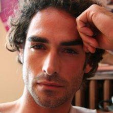 Sergio Muniz è Marco in Broker - Eroi per gioco