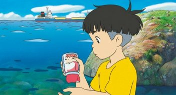Un'immagine tratta dal film Ponyo on the Cliff by the Sea di Hayao Miyazaki
