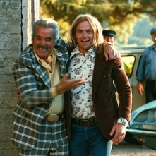 Dennis Farina e Chris Pine in una scena del film Bottle Shock