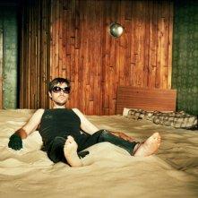 Frank Vercruyssen in una scena del film Nowhere Man