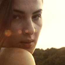 Ioana Flora in una scena del film Hooked
