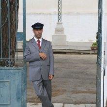Pinuccio Lovero in una scena del film Pinuccio Lovero - Sogno di una morte di mezza estate diretto da Pippo Mezzapesa