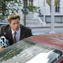 Brad Pitt in una sequenza del film Burn After Reading