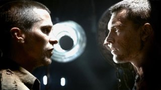 Christian Bale e Sam Worthington in una scena del film Terminator Salvation