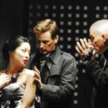 Lika Minamoto, Benoît Magimel e il regista Barbet Schroeder sul set del film Inju, la bête dans l'ombre di Barbet Schroeder