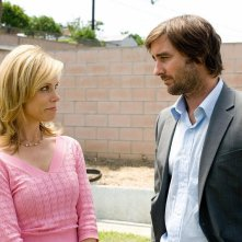 Cheryl Hines e Luke WIlson in una sequenza del film Henry Poole is Here