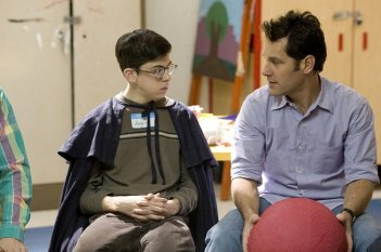 Christopher Mintz-Plasse e Paul Rudd in una scena del film Role Models