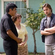 George Lopez, Adriana Barraza e Luke Wilson in una scena del film Henry Poole is Here