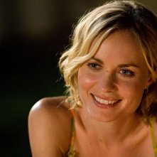 Radha Mitchell in una sequenza di Henry Poole is Here