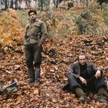 Pierfrancesco Favino e Sergio Albelli in una scena del film Miracolo a S. Anna