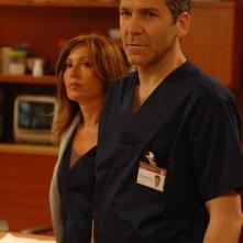 Rodolfo Corsato ed Antonella Fattori in una scena di Terapia d'urgenza