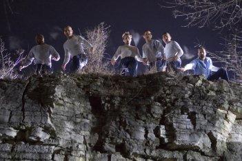 La banda di evasi della serie Prison Break nell'episodio 'L'ultimo miglio': Wentworth Miller, Dominic Purcell, Amaury Nolasco, Peter Stormare, Rockmond Dunbar e Robert Knepper