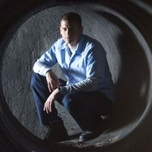 Michael, nel cui ruolo troviamo Wentworth Miller, esplora la sua via di fuga nell'episodio 'Mai i bambini' della serie Prison Break