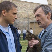 Wentworth Miller insieme a Muse Watson che interpreta Charles Westmoreland nella serie tv Prison Break, episodio: Piano di fuga