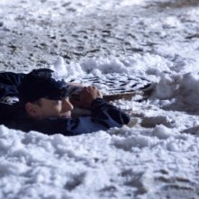 Wentworth Miller nel ruolo di Michael Scofield durante le 'prove' del suo piano di fuga nell'episodio L'ustione della serie Prison Break