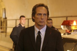 William Fichtner è l'Agente Speciale Alexander Mahone nella serie tv Prison Break, episodio: Chiusi in trappola