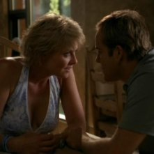 Amanda Tapping insieme a David DeLuise, qui nel ruolo di Peter Shanahan, nell'episodio 'Chimera' della serie Stargate SG-1