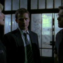 Da sinistra: Amanda Tapping, Peter Flemming e Michael Shanks nell'episodio 'Resurrezione' della serie Stargate SG-1