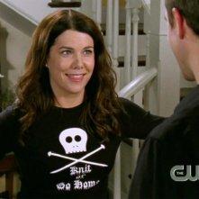 Lauren Graham interpreta Lorelai Gilmore nella serie tv Una mamma per amica, episodio: Il maglia-thon
