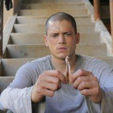 Michael, interpretato da Wentworth Miller, è rinchiuso nuovamente in carcere nella puntata 'Uomo contro uomo' della serie Prison Break