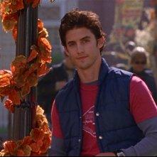 Milo Ventimiglia interpreta Jess, il nipote ribelle di Luke nella serie Una mamma per amica, episodio: La casa dei ricordi