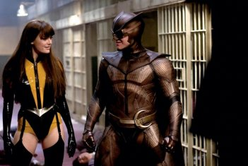 Malin Akerman e Patrick Wilson in una scena del film Watchmen