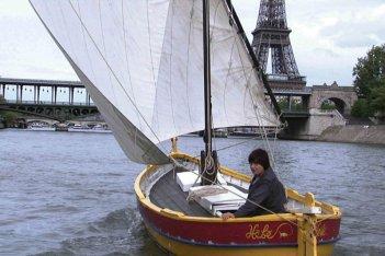 Agnès Varda in una scena del documentario Les Plages d'Agnès