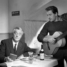 Vittorio De Sica e Domenico Modugno nel film Nel blu dipinto di blu
