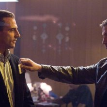 Mark Strong e Gerard Butler in una scena del film RocknRolla