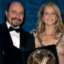 Yves Simoneau riceve da Helen Hunt il DGA 2008 per la regia del miglio film tv o miniserie
