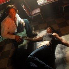Jared Padalecki in una scena del primo episodio della quarta stagione della serie tv Supernatural
