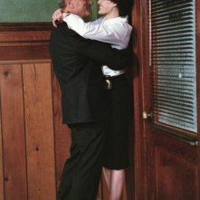 Robert De Niro e Carla Gugino in una sequenza del film Sfida senza regole - Righteous Kill
