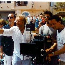 Lo scenografo Enzo De Camillis insieme a Jerry Calà sul set di VIta Smeralda